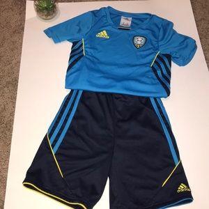 Boys Adidas soccer set size 5.